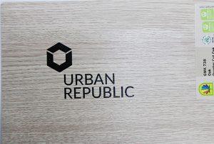 Logo druka uz koka materiāliem, izmantojot WER-D4880UV 2